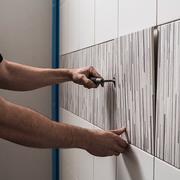 Укладка керамической плитки на стены. Новые технологии !